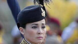 圖為每日郵報刊泰國前王妃Sineenat Wongvajirapakdi照片