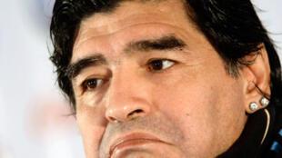 Diego Armando Maradona recobra crédito tras la victoria en Alemania