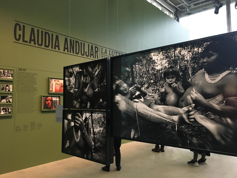 A exposição Claudia Andujar A Luta Yanomami tem cerca de 300 obras da artista.