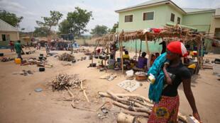 Kambi ya wakimbizi wa ndani ya Abagena katika jimbo la Benue, Nigeria, tarehe 11 Aprili 2018.