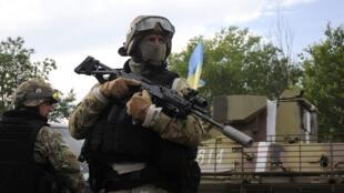 烏克蘭武裝人員在東部地區