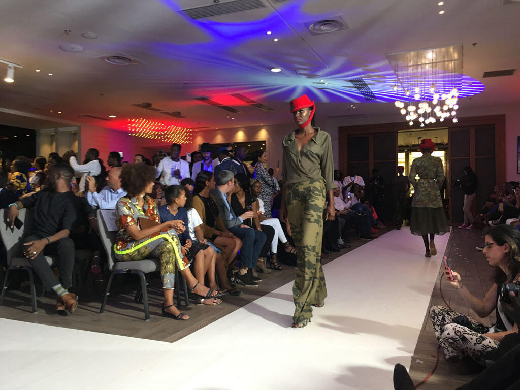 Une des collections de la créatrice Adama Paris, pour l'ouverture de la semaine de la mode à Dakar, ce jeudi 6 juin à l'hôtel Pullman.