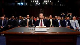 Em uma audiência de quase três horas na Comissão de Inteligência dessa Casa, James Comey reafirmou que Trump lhe pediu para deixar em paz seu então conselheiro de Segurança Nacional, o general Michael Flynn.