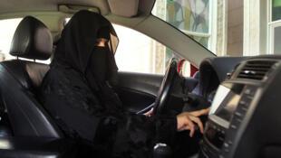 Una mujer conduciendo en Arabia Saudita, 22 de octubre de 2016.