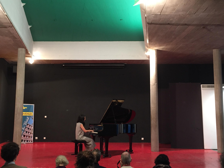 Pianista portuguesa Joana Gama, na Casa do Brasil da Cidade  Internacional Universitária de Paris