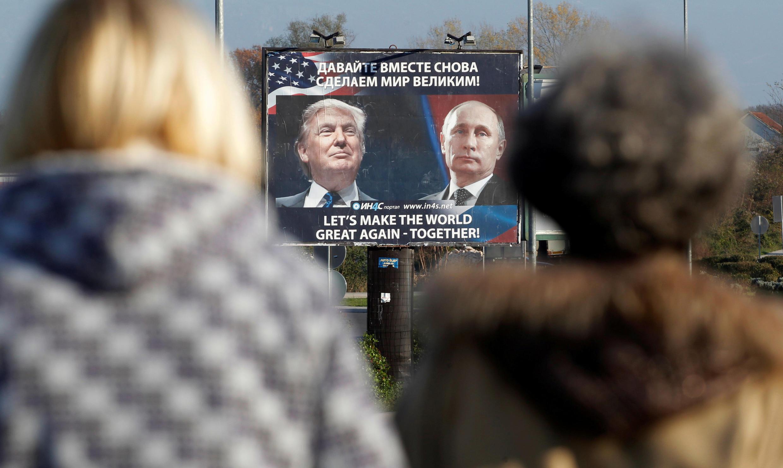 Ảnh tổng thống Mỹ Donald Trump và tổng thống Nga Vladimir Putin tại Danilovgrad, Montenegro, 16 tháng 11, năm 2016.