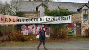 Le Premier ministre Edouard Philippe a donné aux zadistes jusqu'au 30 mars pour évacuer la zad de Notre-Dame-des-Landes.