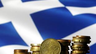 """Los acreedores de Grecia no logran ponerse de acuerdo sobre la viabilidad de la deuda del país. """"Insostenible"""" en su estado actual juzga el FMI, """"manejable"""" dice Bruselas."""