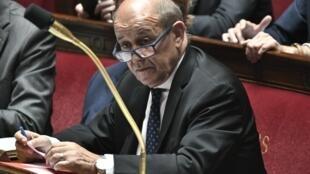 ژان ایو لودریان، وزیر امور خارجۀ فرانسه در مجلس ملی این کشور. سهشنبه اول مرداد/ ٢٣ ژوئیه ٢٠۱٩