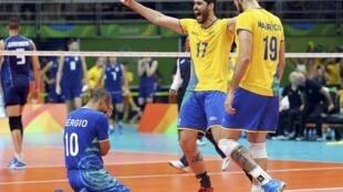Maracanãzinho: Brasil é tricampeão olímpico no templo do vôleibol brasileiro