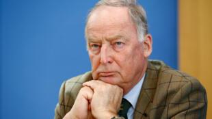 """الکساندر گاولند، قائم مقام حزب بیگانه ستیز """"آلترناتیو برای آلمان"""""""