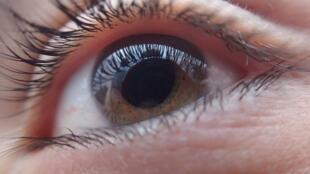 Leur couleur, leur apparence et même la façon dont ils bougent peuvent indiquer si nos yeux sont sains ou s'il existe des troubles sérieux.