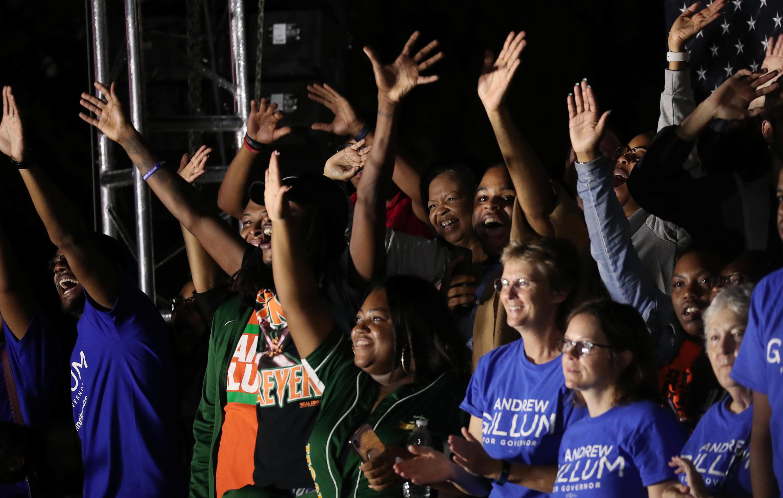 Les militants démocrates de Floride, lors de la soirée électorale du scrutin de mi-mandat à Tallahassee, le 6 novembre 2018.