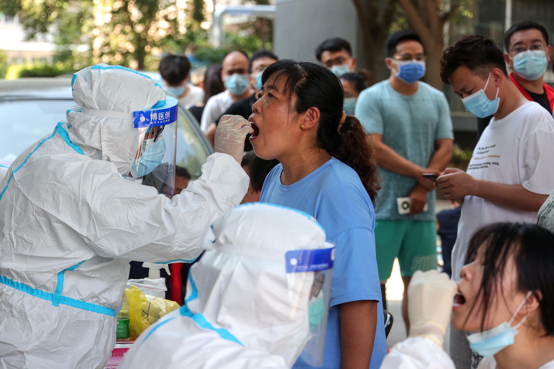 Les tests PCR dans la ville de  Zhengzhou
