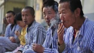 Bệnh nhân tại một bệnh viện tâm thần tỉnh Sơn Tây (Shan Xi), Trung Quốc. Ảnh chụp năm 2010