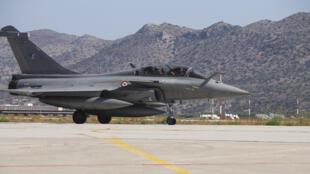 Hợp đồng ký kết ngày 25/01/2021 tại Athens bán 18 chiến đấu cơ Rafale cho Hy Lạp đánh dấu lần đầu tiên Pháp bán máy bay Rafale cho một nước châu Âu.