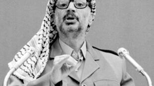 Yasser Arafat à la tribune de l'Onu le 2 septembre 1983.