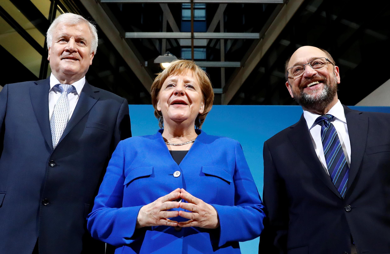 Merkel, chanceler alemã da CDU, Horst Seehofer, da CSU e Martin Schulz, líder do SPD, depois do acordo de governaçãoquarters in Berlin, Germany, Janu