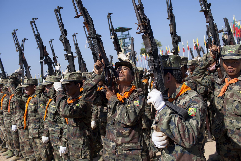 Lực lượng võ trang Shan tấn công căn cứ quân sự làm gần 50 binh sĩ Miến Điện tử thương - AFP / KC Ortiz