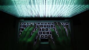 Pirataria de hackers russos é a maior da história da internet, avalia New York Times.