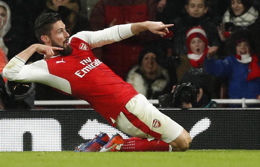 Mshambuliaji wa Arsenal, Olivier Giroud, akishangilia goli alilofunga dhidi ya Crystal Palace. 1 January 2016