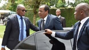 L'une des rares apparitions publiques de Blaise Compaoré, exilé à Abidjan. Ici, le 10 octobre 2016 avant sa rencontre avec l'ex-président ivoirien Henri Konan Bédié.