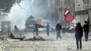 A cidade do Cairo é palco de uma nova batalha entre policiais e manifestantes pró-democracia.