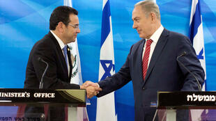 O presidente da Gutemala Jimmy Morales e o primeiro-ministro de Israel, Benjamín Netanyahu