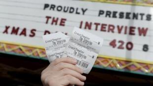 """Bộ phim """"The Interview"""" thu về 18 triệu đô la trong những ngày đầu tiên qua mạng trực tuyến hay nhờ vào việc bán vé nhờ - REUTERS /Kevork Djansezian"""
