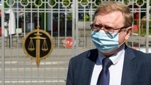Vladimir Zherebenkov, l'avocat de l'Américain Paul Whelan, à son arrivé au tribunal à Moscou, le 25 mai 2020. Paul Whelan est un ex-militaire américain accusé d'espionnage par la Russie.