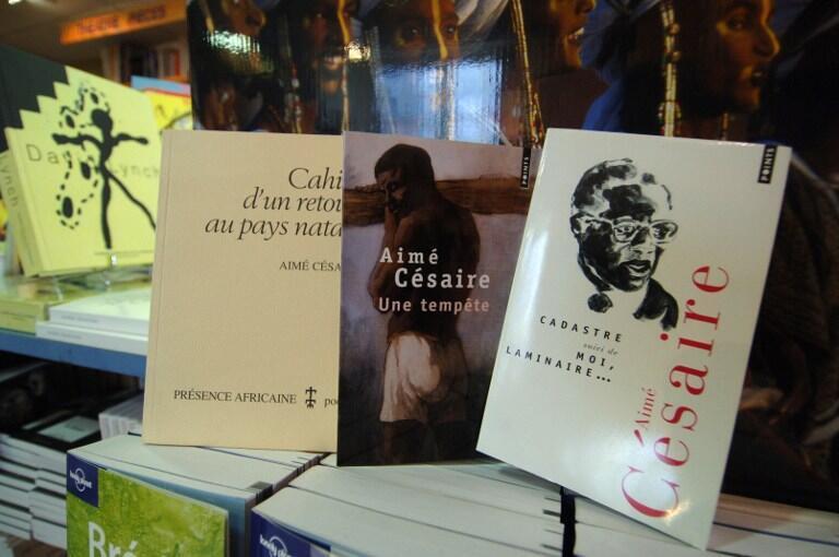 Aimé Césaire est l'auteur de huit recueils de poèmes, de deux essais et de quatre pièces de théâtre