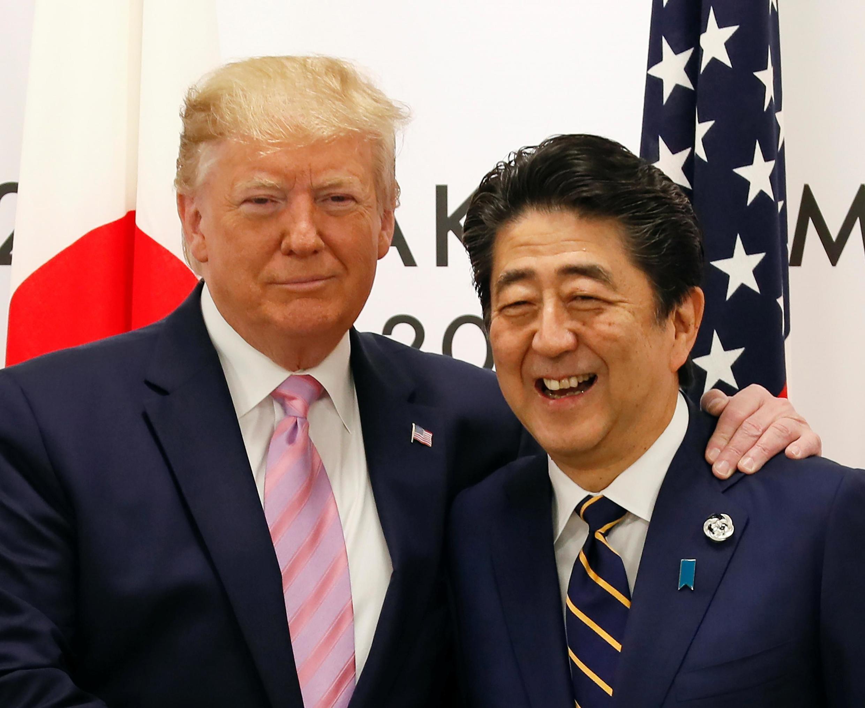 2019年6月28日,日本首相安倍晉三與美國總統特朗普在大阪20國集團領導人峰會開始前舉行日美會談。