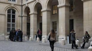 La rentrée est pour bientôt pour les étudiants. Ci-dessus la cour de l'université Paris 1 Panthéon Sorbonne.