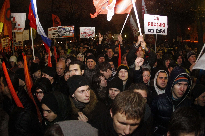 Поитическая деятельность Руслана Левиева началась с участия в оппозиционном митинге 5 декабря 2011 года.
