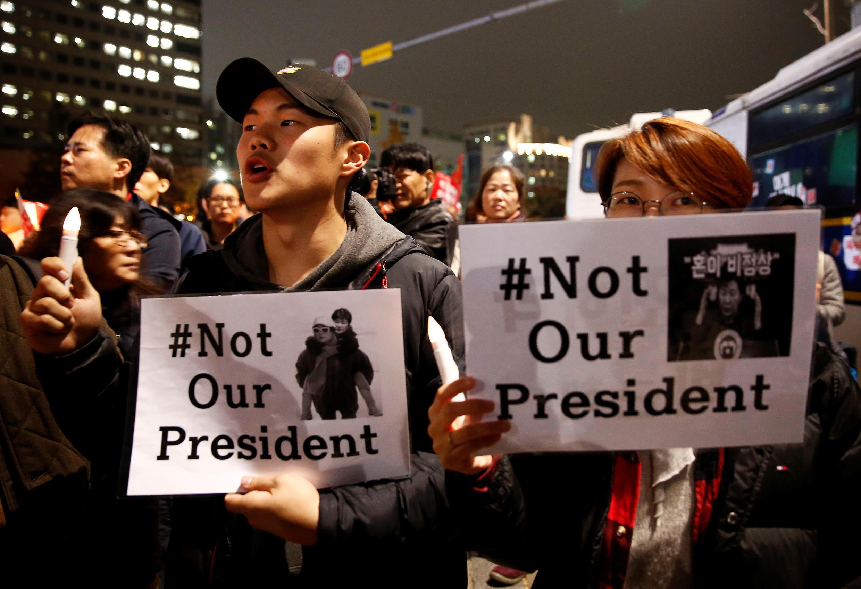 Manifestations, le 19 novembre 2016, dans les rues de Séoul appelant à  la démission de la présidente sud-coréenne,  Park Geun-hye.
