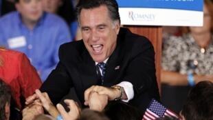 O candidato republicano às eleições presidenciais americanas, Mitt Romney, durante campanha na Flórida, nesta terça-feira.