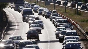 Traffic on French motorways expected to be heavy this vacation weekend