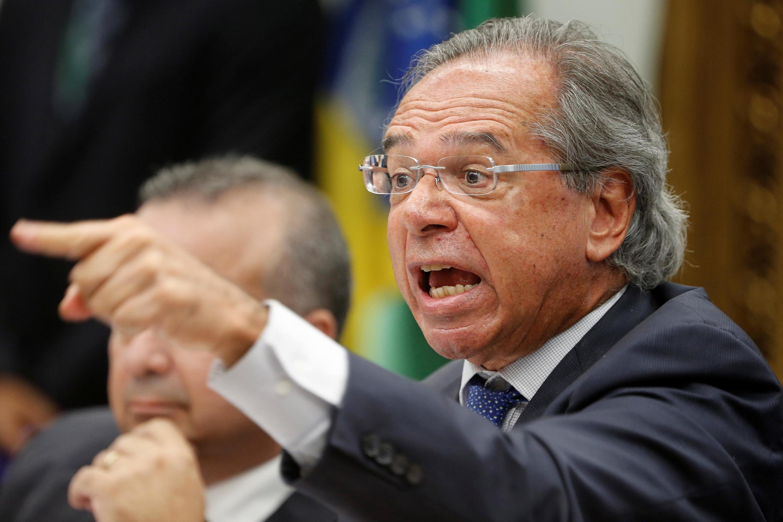 O ministro da Economia do Brasil, Paulo Guedes, discutiu com deputados durante reunião das comissões de Constituição, Justiça e Cidadania (CCJ) em Brasília, Brasil, 3 de abril de 2019.