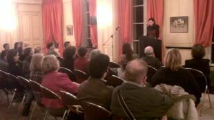 """Samanta Schweblin leyó un extracto de """"Un hombre sin suerte"""" durante la entrega del Premio Juan Rulfo 2012."""