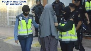 Operação de polícai espanhola prende recrutadores e recrutas jihadistas.