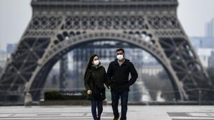 2020-05-13 france health coronavirus face mask paris eiffel tower