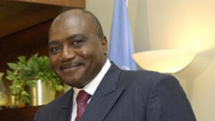 L'ex-secrétaire général de la présidence camerounaise, Jean-Marie Atangana Mebara, écroué depuis 2008, a été a été partiellement acquitté jeudi 3 mai de trois des chefs d'accusation dans le scandale de l'Albatros d'achat-location d'un avion présidentiel.