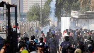 伊拉克民众继续举行反政府示威抗议。