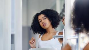 santé apparences - jeune miroir - Priorité Santé