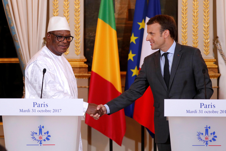 Presidente francês, Macron, recebe no Eliseu, o seu homológ maliano, Ibrahim Boubacar Keïta, 31 de outubro, no quadro da força africana G5 Sahel