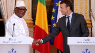 Le président français Emmanuel Macron a reçu son homologue malien Ibrahim Boubacar Keïta à l'Elysée, Paris, le 31 octobre 2017.