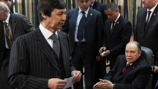Abdelaziz Bouteflika avec, à gauche au premier plan, son jeune frère et principal conseiller, Saïd, lors du vote du 17 avril.
