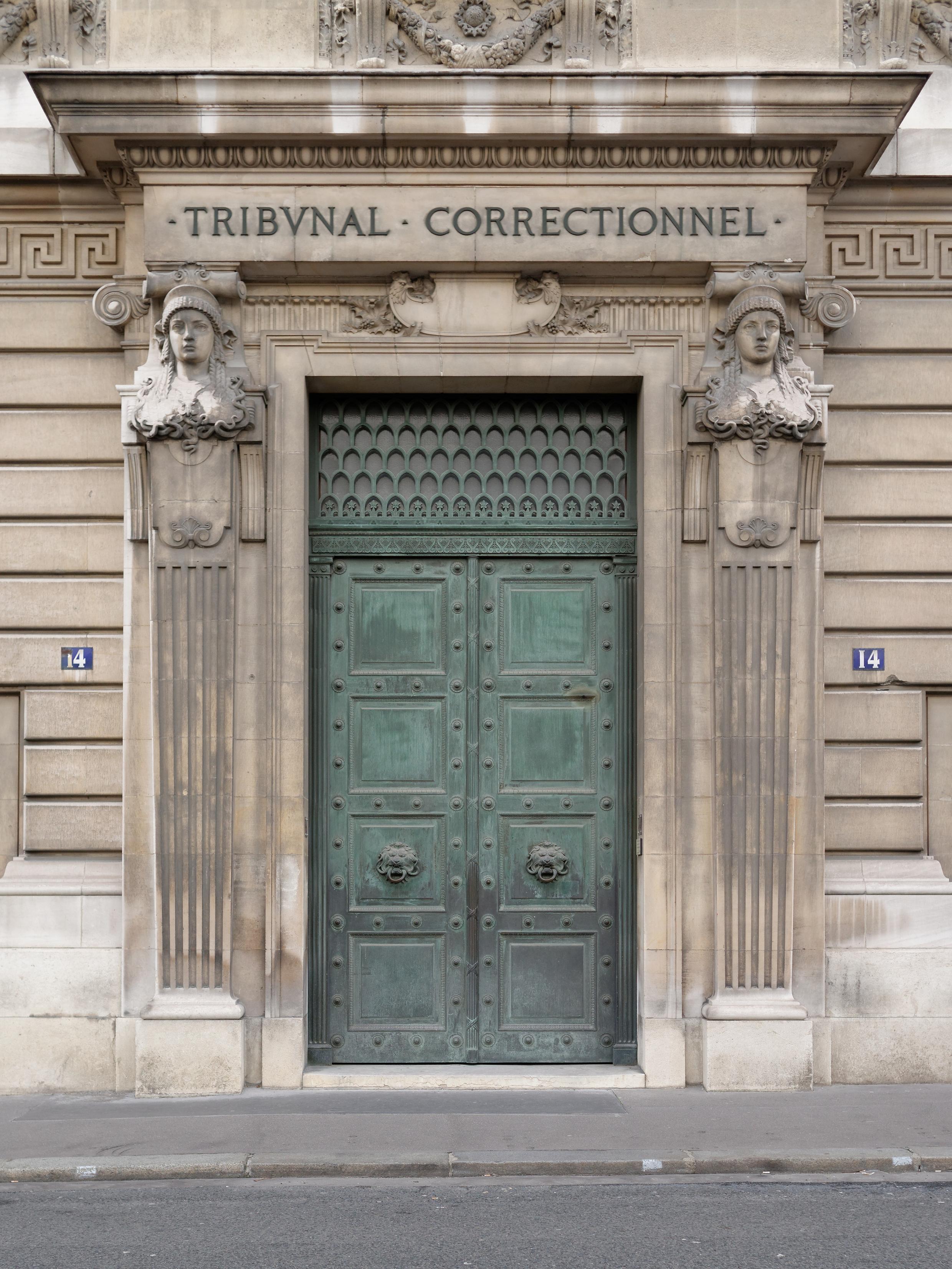 Le procès des sept Strasbourgeois s'est ouvert lundi 30 mai au tribunal correctionnel de Paris.