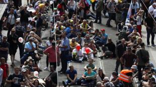 2020-08-29T101126Z_2094104162_RC2MNI9URUY4_RTRMADP_3_HEALTH-CORONAVIRUS-GERMANY-PROTEST