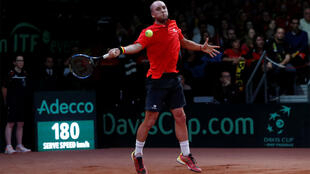 Steve Darcis (Belgique) face à Nick Kyrgios, lors du match Belgique/Australie, Coupe Davis (semi-finales), 15 septembre 2017, à Bruxelles.